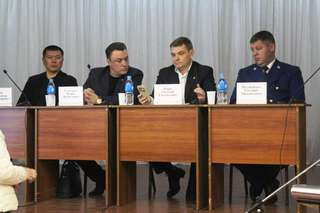 Встречу с жителями микрорайона «Мелькомбинат» провел глава администрации УГО