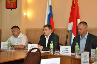 На самые злободневные вопросы сельхозпроизводителей ответил глава администрации Евгений Корж