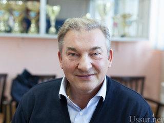 Легендарный хоккеист Владислав Третьяк встретился с юными спортсменами Уссурийска