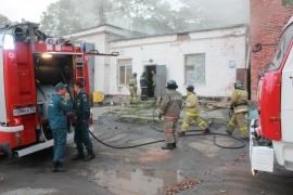 В Уссурийске сгорел продуктовый магазин