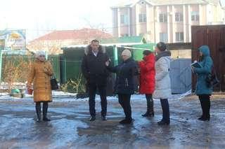 Проверка работы по уборке снега и наледи управляющими компаниями Уссурийска продолжается