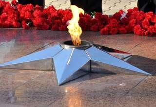 В День Неизвестного Солдата состоялась церемония возложения венков и цветов к Вечному огню