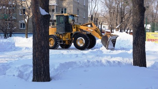 На улицах Уссурийска для расчистки и обработки дорог задействованы 22 единицы спецтехники