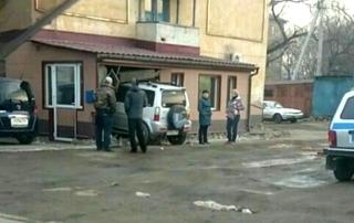 Внедорожник протаранил жилой дом в Уссурийске
