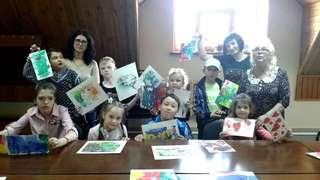 Тематические творческие уроки собрали детей с ограниченными возможностями в Уссурийске