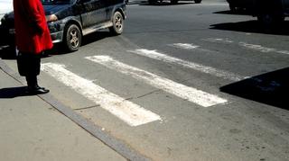 В Уссурийске под колеса авто выбежала маленькая девочка