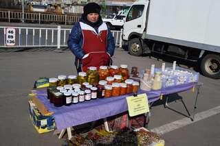 В Уссурийске начала свою работу весенняя продовольственная ярмарка