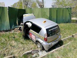 В Уссурийске мужчина угнал автомобиль такси