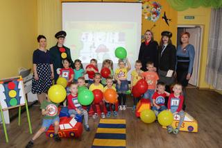 Полицейские провели урок безопасности для воспитанников детского сада в Уссурийске
