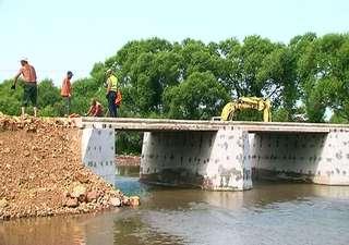 Работы по строительству моста в поселке Тимирязевском продолжаются