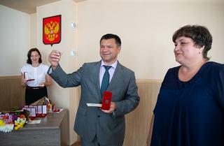 Андрей Тарасенко вручил краевые награды жителям Уссурийска