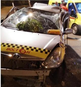 Таксист не справился с управлением ночью в Уссурийске