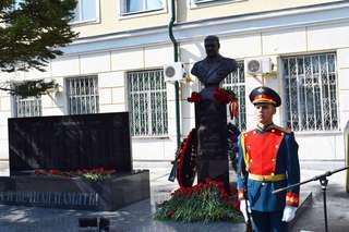В Уссурийске открыли памятник генерал-лейтенанту Валерию Асапову
