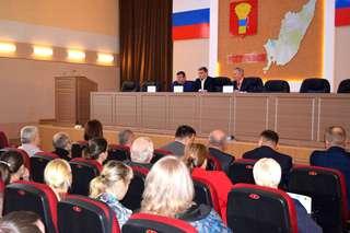 Меры безопасности в новогодние праздники обсудили в администрации округа