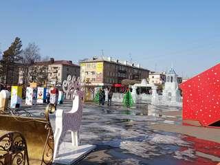 Завтра начнут разбирать Ледовый городок на центральной площади Уссурийска