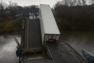 Водитель фуры, под которой упал мост в Осиновке, останется под домашним арестом до 26 апреля