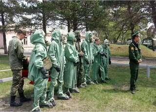 Около 500 десятиклассников проходят учебные сборы в войсковых частях Уссурийского гарнизона