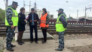 В Уссурийске транспортные полицейские совместно с железнодорожниками провели рейд по объектам транспорта
