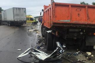 Госавтоинспекция Уссурийска проводит проверку по факту автоаварии с участием большегрузов