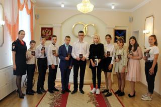 Акцию «Я – гражданин России» провели полицейские в Уссурийске