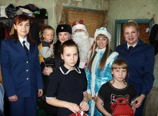 Уссурийск присоединился к Всероссийской акции МВД «Полицейский Дед Мороз»