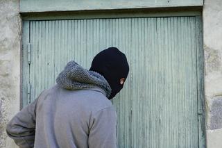 Жителя Уссурийска пытались похитить прямо на улице вооруженные люди