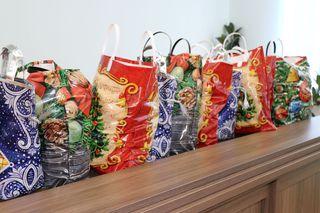 Более 400 новогодних подарков вручили медработникам Уссурийска