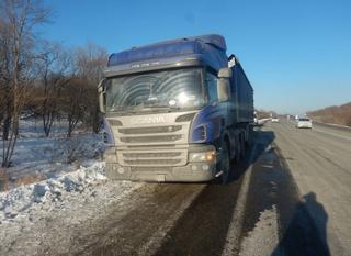 Гоп-стоп на трассе: водителя грузовика избили и ограбили на дороге Уссурийск-Владивосток