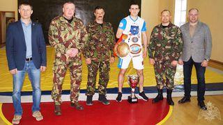 В Уссурийске прошла встреча сотрудников ОМОН с двукратным чемпионом мира по кикбоксингу
