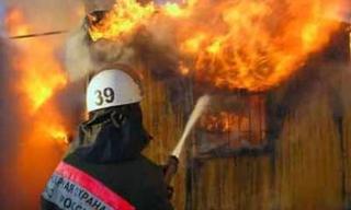 В Уссурийске горело здание рынка