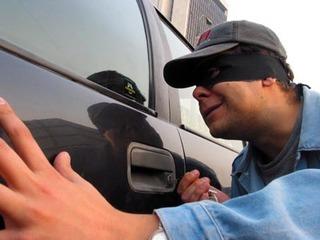 В Уссурийске полицейские задержали серийного автоугонщика