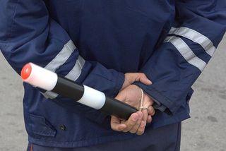 Нетрезвый водитель избил себя на глазах у полицейских