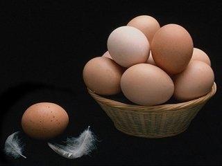 Приморцы закупают свежие куриные яйца к Пасхе