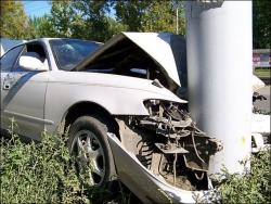 Водитель в Уссурийске врезался в столб