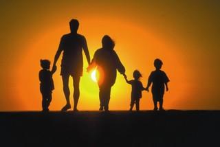 В Приморье будет увеличено количество служб сопровождения приёмных семей
